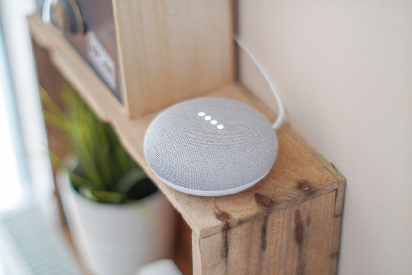 Hvem lytter med når du snakker med Google, Alexa eller Siri? findes der digitale assistenter som ikke har brug for et cloud?