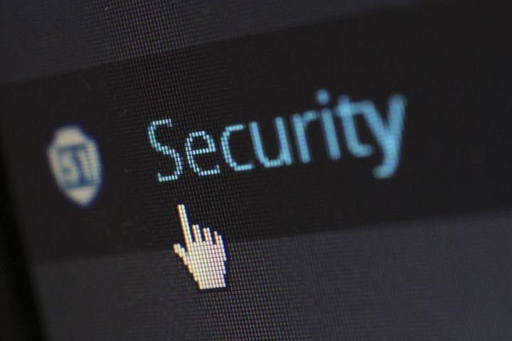 Der sker meget på dit netværk, og med den stigende mængde IOT enheder, er der også en stigende risiko for hacker angreb.